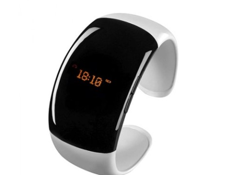 WOPUTUO Vibrating Bluetooth Watch Bracelet with Bluetooth ,Answer Call,LCD Caller ID,Digital Time Display,Anti-Lost Alarm and Music Player after Pairing with Most Smart Mobile Phones Such as iPhone,Samsung,Blackberry,Nokia and Huawei (White)